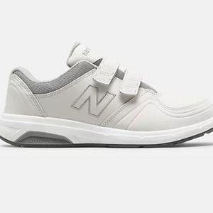 New Balance roll bar hook & loop tennis shoes